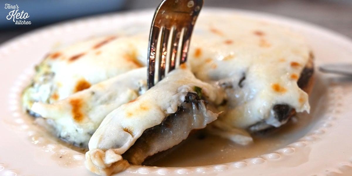 Keto Stuffed Mushrooms on a plate